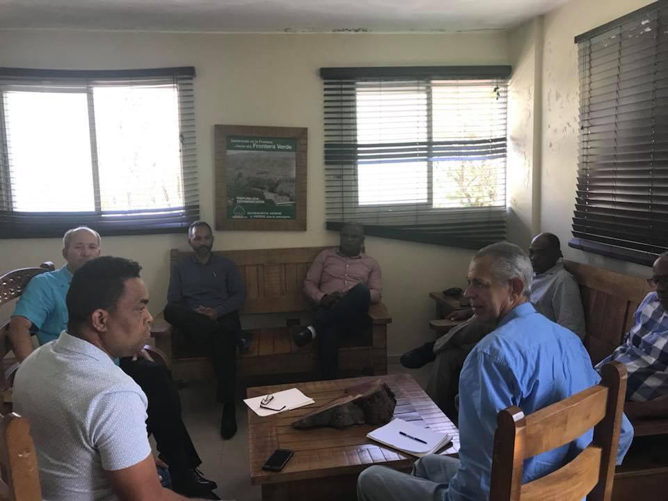 Alcaldes se reúnen con el director provincial de Medio Ambiente.
