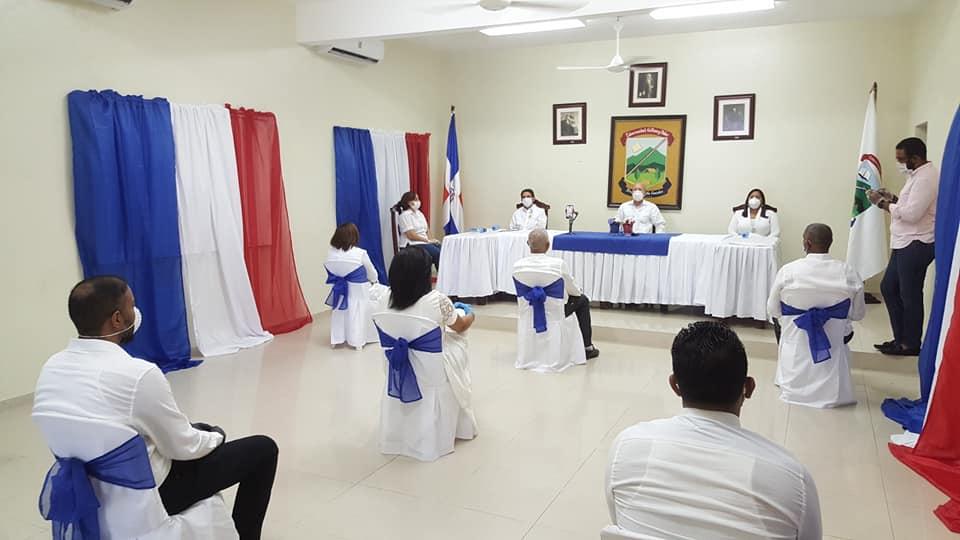 Autoridades municipales electas, toman posesión en Ayuntamiento de Villa González..