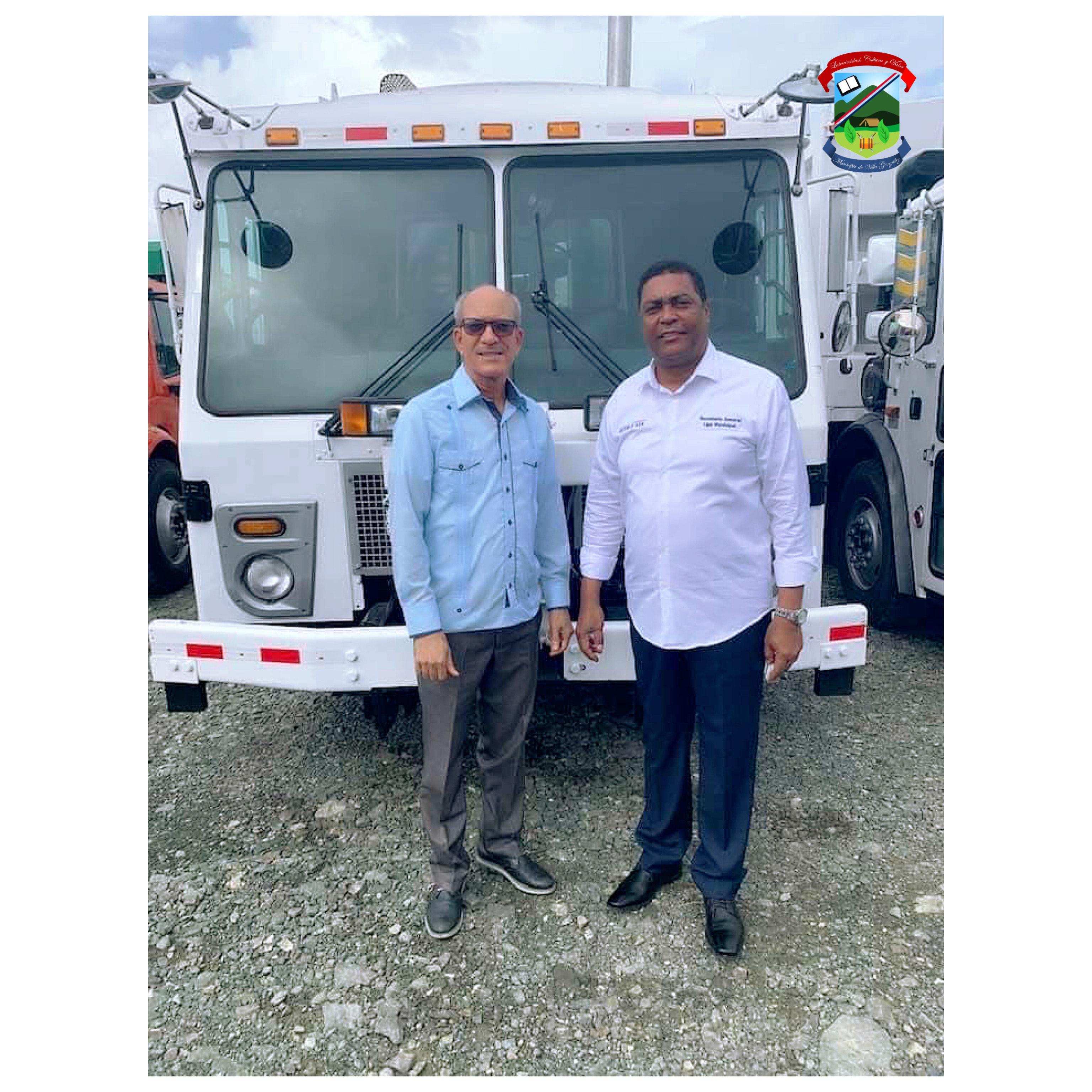 Secretario General, Víctor D'Aza, entregó hoy camión Recolector de desechos Solidos al Alcalde Ing. Cesar Álvarez